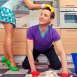 Уборка дома: как приучить к ней мужа